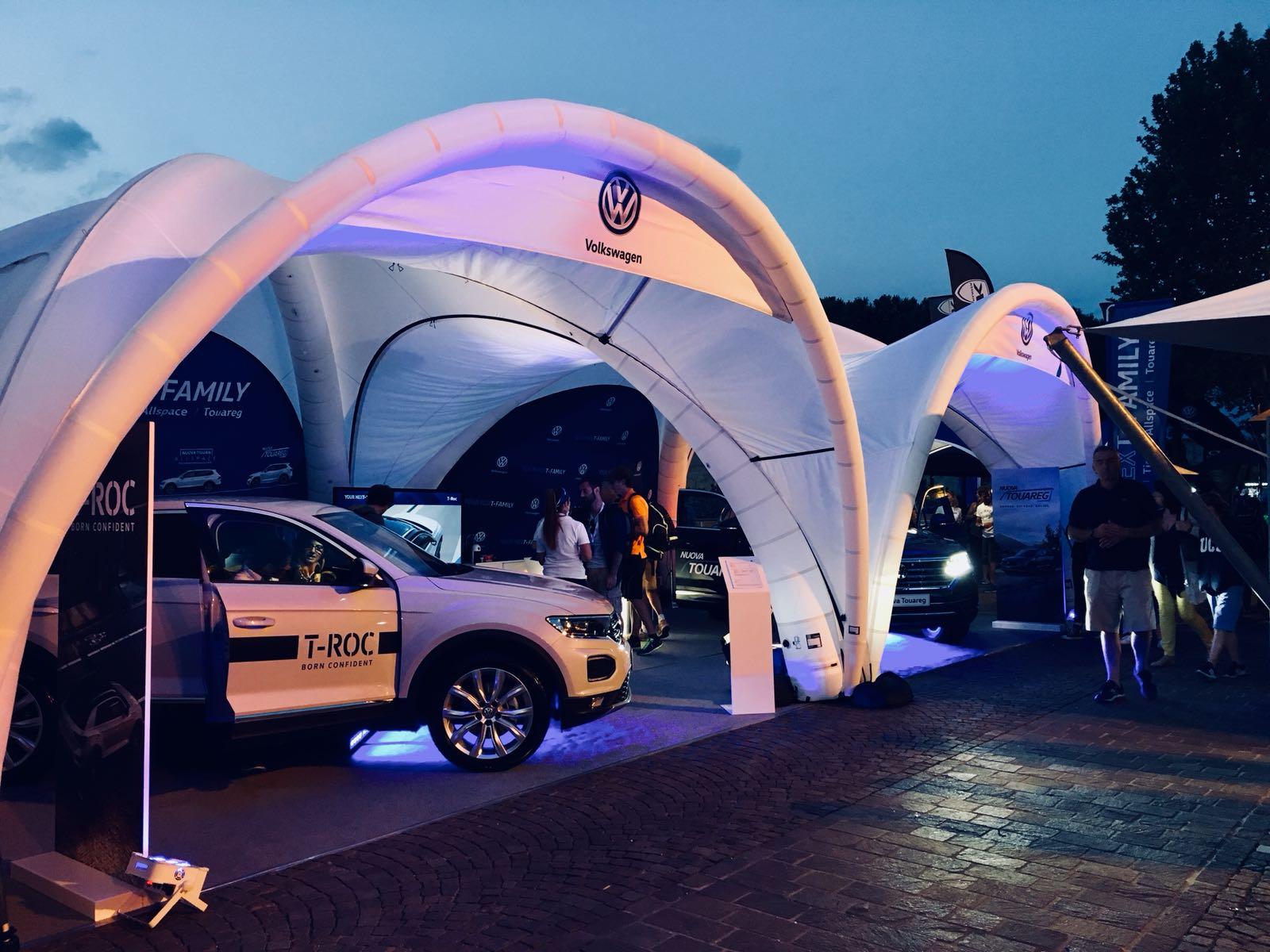 00e8f11d-642a-4c60-8b75-42ea2c85275cFree Event agenzia eventi produzione allestimenti convention spazio trio triathlon volkswagen